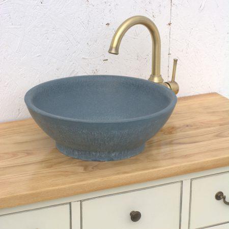 כיור אמבטיה כחול מונח