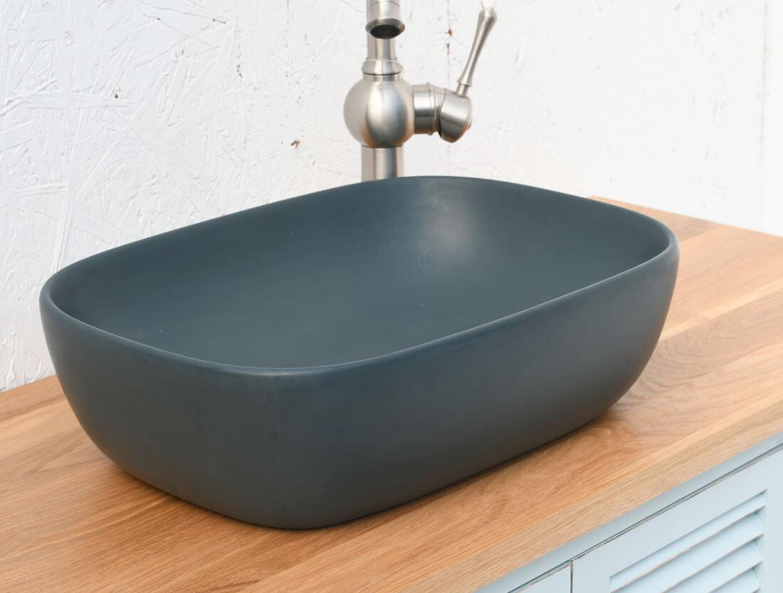 כיור אמבטיה מונח כחול כהה