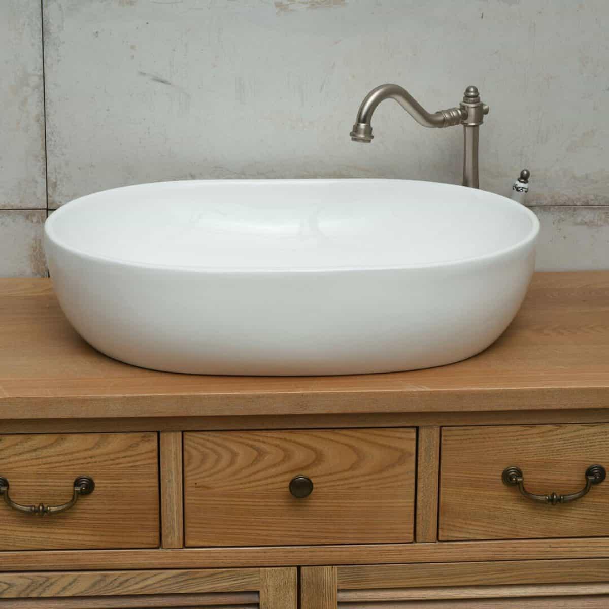 כיור אמבטיה אובאלי לבן מבריק