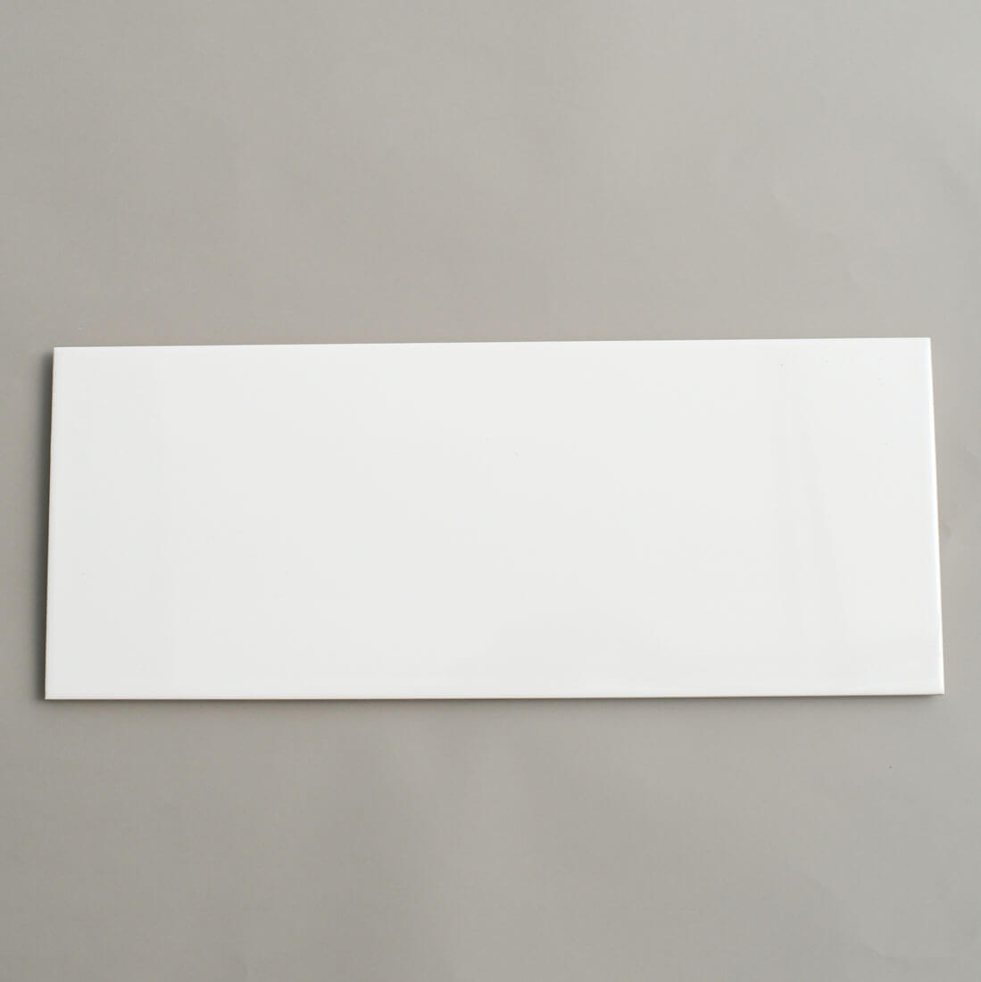 קרמיקה לאמבטיה 20/50 לבן מט לחדר רחצה