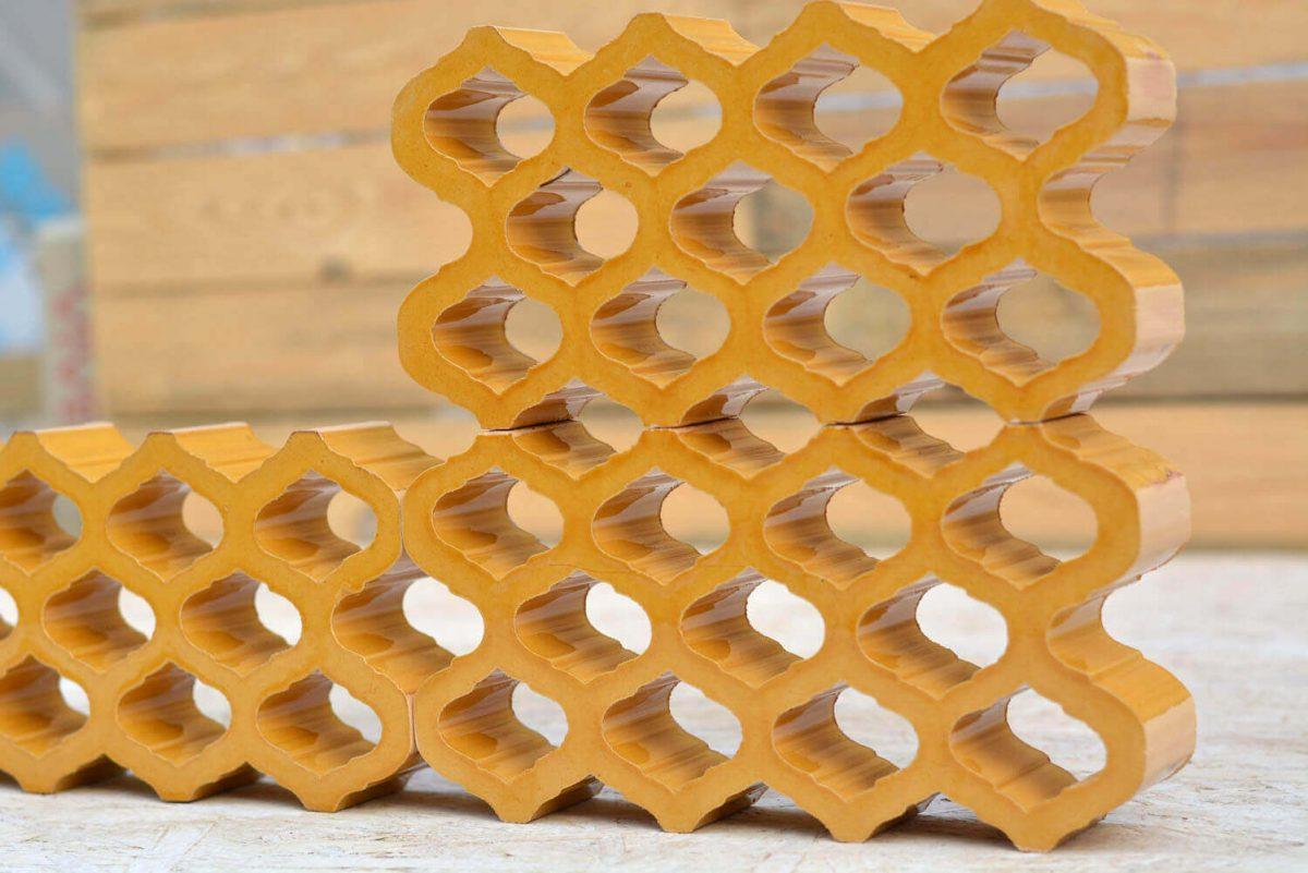 משרביה מקרמיקה צהובה