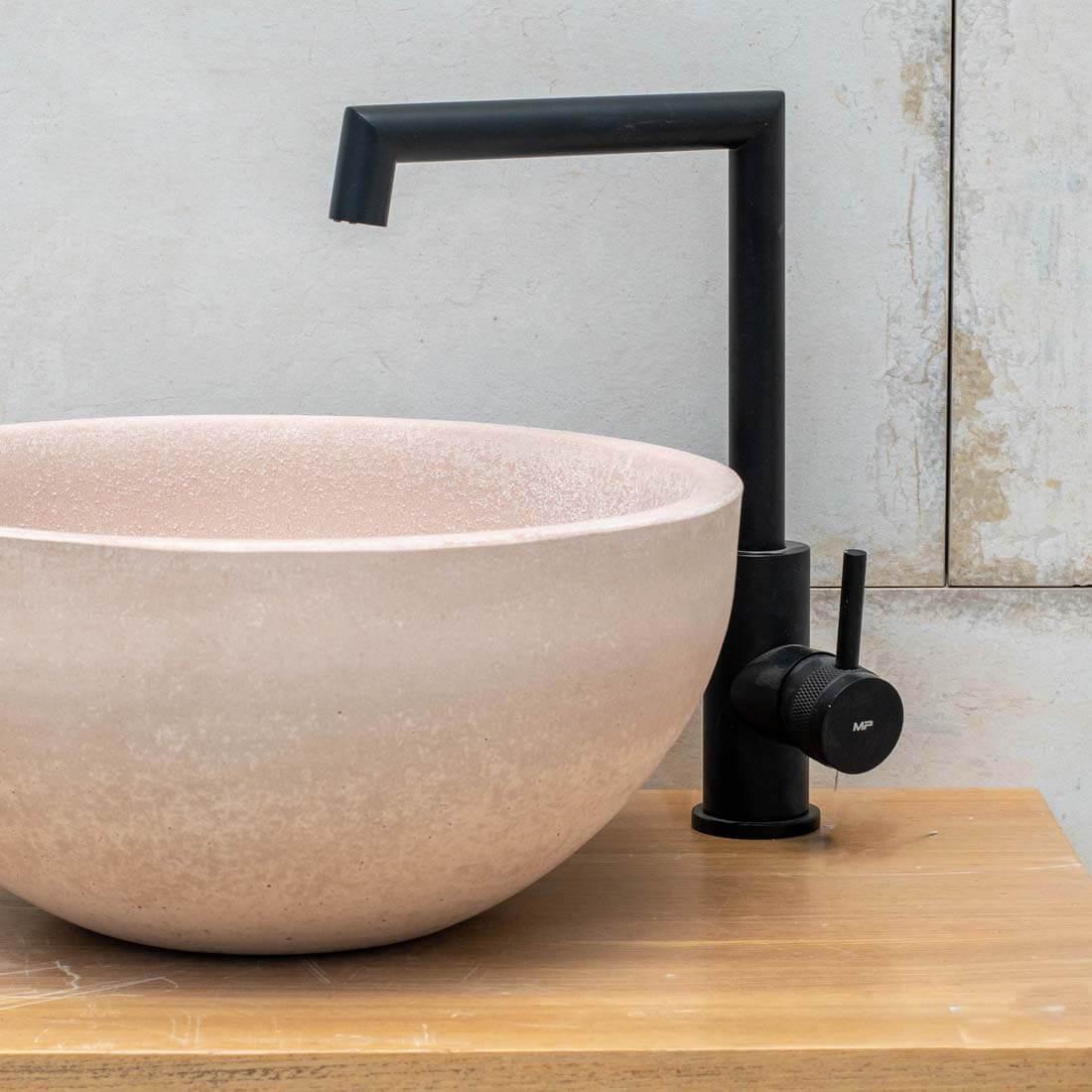 ברז אמבטיה צבע שחור