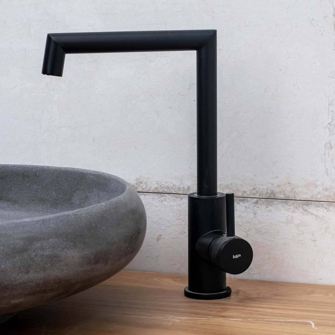 ברז אמבטיה - בונטון פדרו שחור מט